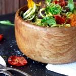 Tomato inferno pasta w kale pesto