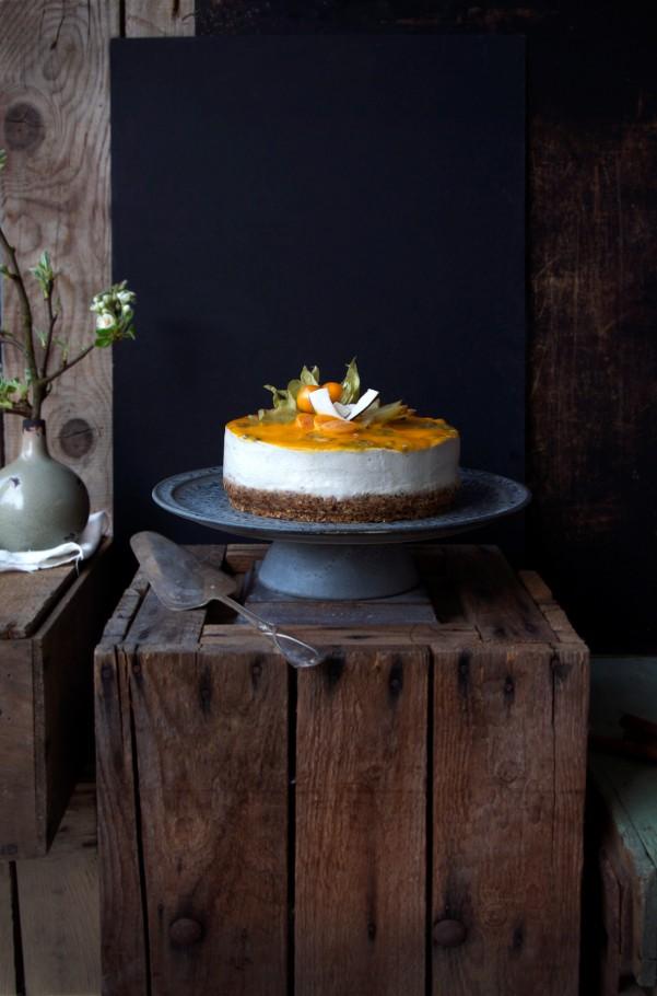 Semi-raw, vegan & GF Tropical Cheesecake at www.Earthsprout.com