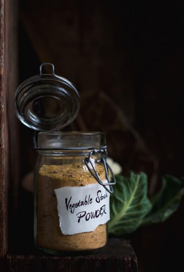 Mighty Vegetable Stock Powder + Kelp Noodle Bouillon Soul Soup @ www.Earthsprout.com